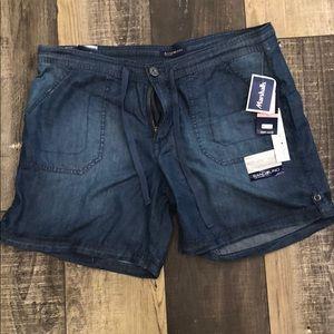 Bandoline Shorts